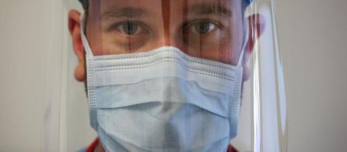 Le mascherine se non sono presidio medico possono essere vendute senza certificazione