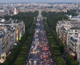 Covid-19, ipotesi nuovo blocco totale in Francia: in 300.000 in fuga da Parigi.
