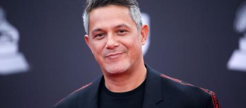 Alejandro Sanz marcou época com suas músicas na Rede Globo. (Arquivo Blasting News)
