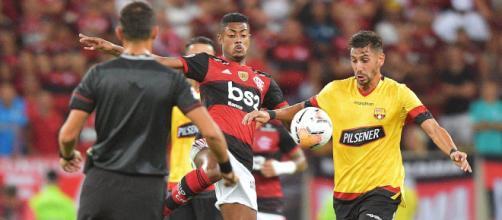 Flamengo, el actual campeón de la Copa Libertadores avanzó como líder de grupo.