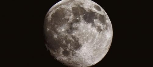 Cientistas reúnem evidências da existência de água na Lua. (Arquivo Blasting News)
