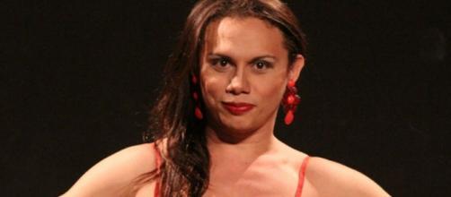 Elis Miranda é vítima de ataque homofóbico em 'A Força do Querer'. (Reprodução/TV Globo)