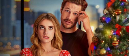 Emma Roberts e Luke Bracey são os protagonistas de 'Amor com data marcada'. (Arquivo Blasting News)