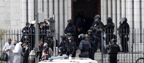 Francia Atacada. Tres victimas en la catedral de Niza, el autor fue herido y capturado.