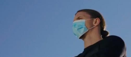 Ibrahimovic fait de la prévention contre le Covid-19 - Photo capture d'écran video