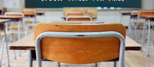 Sospese le attività didattiche in presenza in tutte le scuole pugliesi.