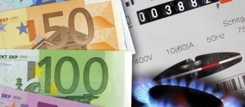 Bonus bollette, si risparmia dal 1 gennaio 2021 con sconti automatici su luce, gas e acqua.