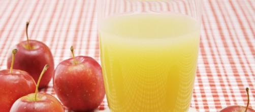 Jugo de manzana para los cáclulos biliares