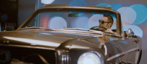 Tiziano Ferro nel video di 'E ti vengo a cercare'.