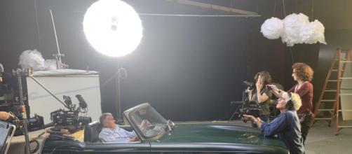 Filmagem de 'As Mortes de Dick Johnson', documentário da Netflix. (Reprodução/Netflix)