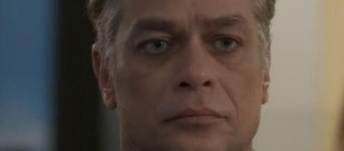 """Arthur não vai para Paris em """"Totalmente Demais"""". (Reprodução/TV Globo)"""
