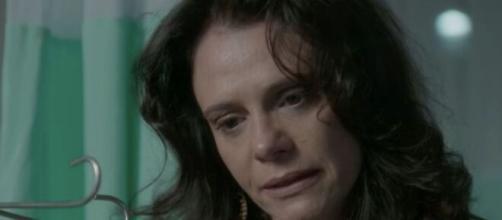 Ela irá se desculpar pelos xingamentos contra a ruiva em 'Totalmente Demais'. (Reprodução/TV Globo)