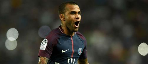 FranceFootball dévoile ses 10 meilleurs arrières droits de l'histoire et se fait détruire
