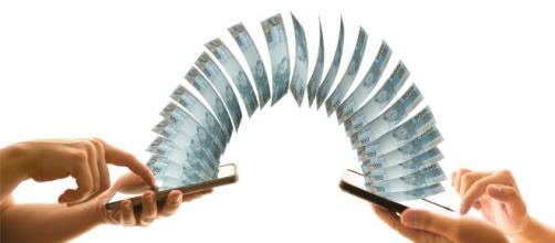 Instituições bancárias iniciam corrida para cadastro das chaves PIX de usuários nesta segunda-feira (5). (Arquivo Blasting News)