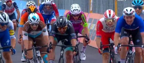 La vittoria di Arnaud Demare a Villafranca Tirrena