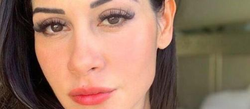 Mayra Cardi afirma que chegou a se arrepender de expor que foi traída por Arthur Aguiar (Arquivo Blasting News)