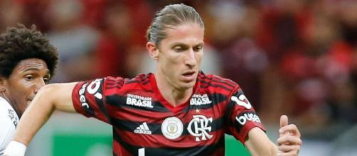 O lateral-esquerdo Filipe Luis é uma das melhores opções do Cartola FC para a 14ª rodada pelo Campeonato Brasileiro. (Arquivo Blasting News)