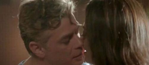 """Arthur e Carol em """"Totalmente Demais"""". (Reprodução/TV Globo)"""