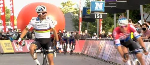 Lo sprint vincente di Alaphilippe alla Freccia del Brabante