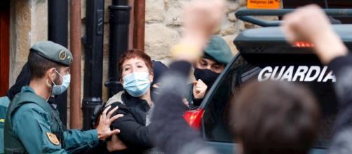Podemos censura la detención de tres colaboradores de ETA.