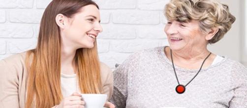 Cette start-up propose des services de téléassistance pour protéger et rassurer nos aînés, source : image d'illustration, Senior Adom