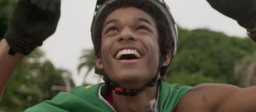 Wesley acabará a trama realizado em 'Totalmente Demais'. (Reprodução/ TV Globo).