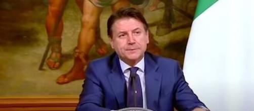 Giuseppe Conte, capo di un governo chiamato a fronteggiare un'emergenza senza precedenti.