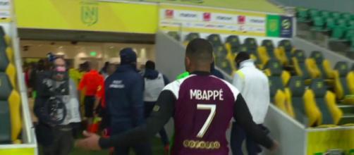 Kylian Mbappé s'en prend violemment à l'arbitrage - Photo capture d'écran Compte Twitter Canal Football Club