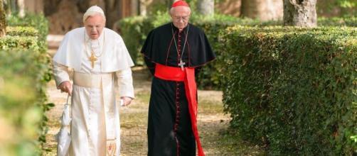 'Dois Papas': filme conta a história entre Papa Francisco e Bento XVI. (Reprodução/Netflix)