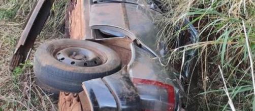 Grávida e bebê morrem após capotamento de carro no Paraná. (Divulgação/PRE)