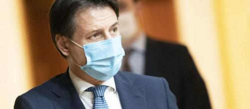 Coronavirus, lockdown leggero in tutta Italia, Boccia: 'Entro novembre tutto in sicurezza'.