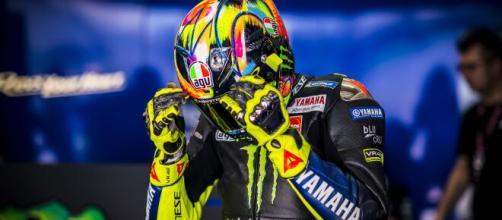 Valentino Rossi potrebbe essere ancora positivo al coronavirus.