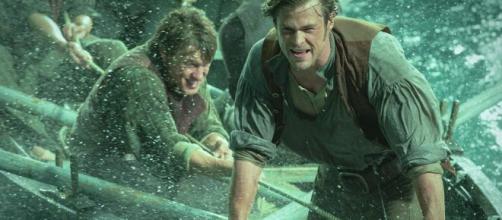 Cena do filme 'No Coração do Mar'. (Reprodução/YouTube)