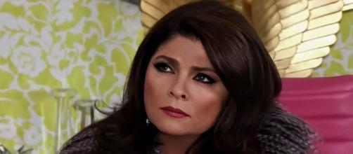Victória sente muito rancor de Bernarda e João Paulo na novela 'Triunfo do Amor'. (Reprodução/Televisa)