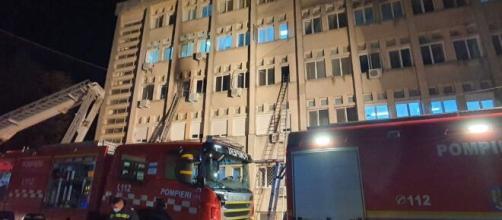 Romania, incendio all'ospedale di Piatra Neamt: deceduti 10 pazienti Covid.