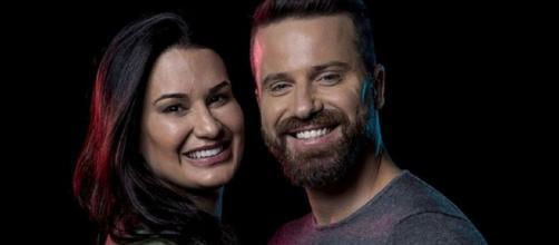 Marlon e Letícia anunciam fim do casamento. (Reprodução/RecordTV)