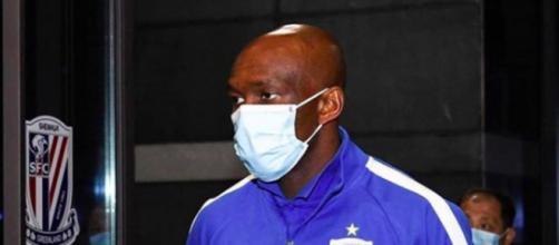 Stéphane M'Bia et son équipe du Shanghai Shenhua viennent d'arriver au Qatar pour disputer la Ligue des Champions asiatique.