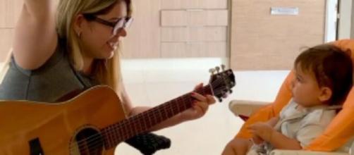 Marília Mendonça cantou para o filho. (Reprodução/Instagram/@mariliamendoncacantora)