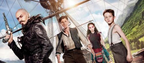 Peter Pan e o Capitão Gancho. (Reprodução/YouTube)
