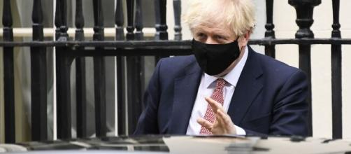 Boris Johnson vuelve a cuarentena por cuenta del coronavirus - semana.com
