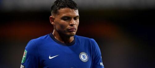 Contestado no Chelsea, Thiago Silva poderia cogitar um retorno ao Brasil. (Arquivo Blasting News)