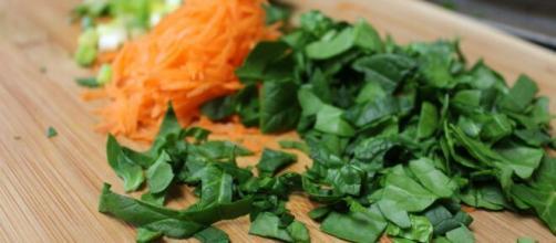 La zanahoria ayuda a controlar el dolor de cabeza y la espinaca previene las caries