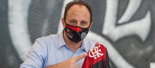 O treinador Rogério Ceni terá mais problemas para o Flamengo na Copa do Brasil. (Arquivo Blasting News)