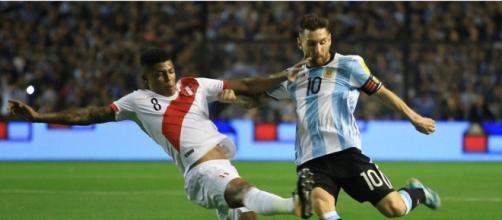 Peru e Argentina fecham a quarta rodada das Eliminatórias. (Arquivo Blasting News)
