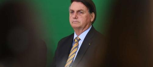 Bolsonaro criticado por opositores políticos. (Arquivo Blasting News)