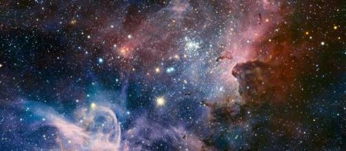 Oroscopo e previsioni zodiacali del 20 novembre: Toro passionale, Acquario sereno.