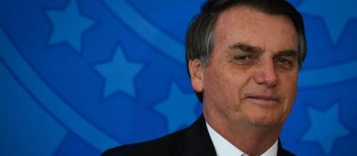 Bolsonaro criticou reportagem da revista 'Veja', que publicou uma matéria contra seu filho Carlos Bolsonaro. (Arquivo Blasting News)