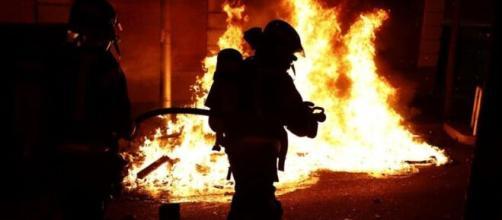 Disturbios por las restricciones del Gobierno durante el fin de semana