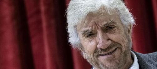 È morto Gigi Proietti, addio al grande attore.