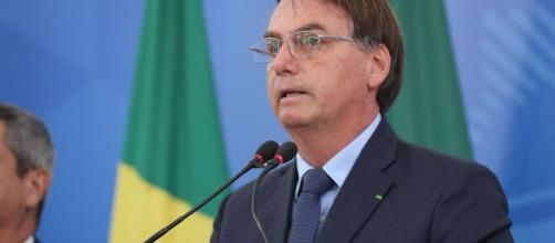 Bolsonaro afirma que índios trocam madeira por itens pessoais. (Arquivo Blasting News)